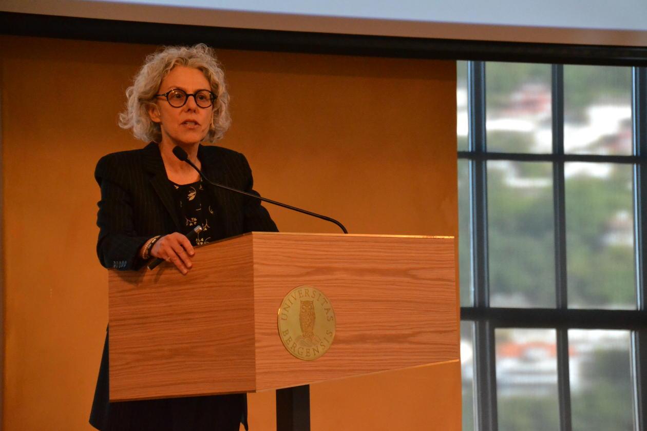 Professor Lee Epstein frå Washington University i St. Louis heldt årets Rokkanførelesing. Temaet for førelesinga var «The Study of Judicial Behavior».