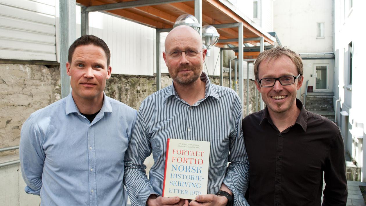 Tre menn og ei bok