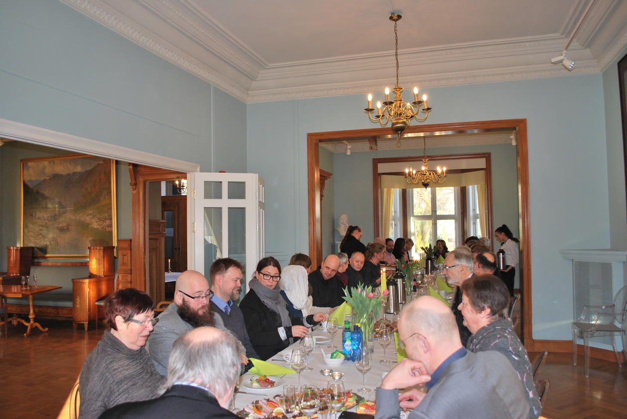 Det var en stor samling av kolleger, venner og familie, som møtte opp for å takke av Bjørkelo i Knut Fægris hus.