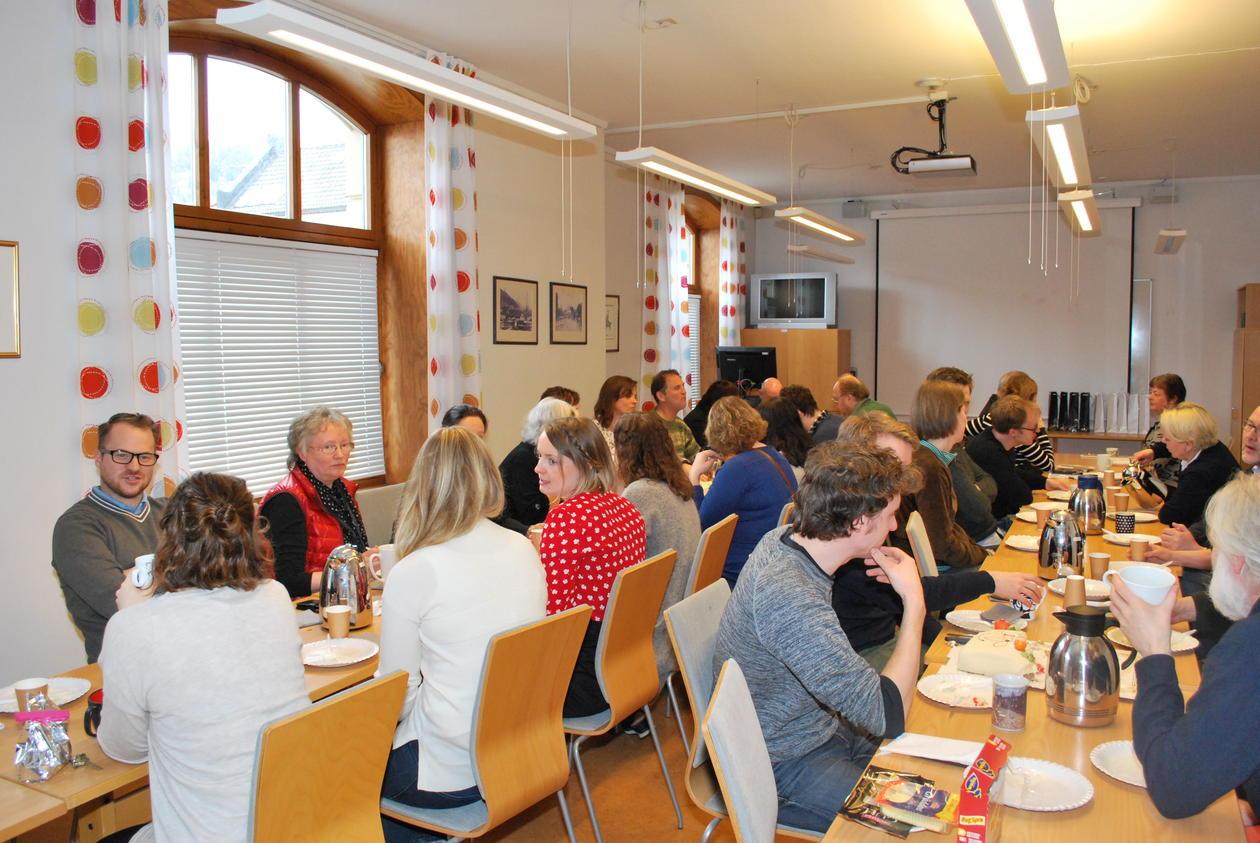 God stemning i seminarrom 1 i Øysteinsgate under markeringslunsjen.