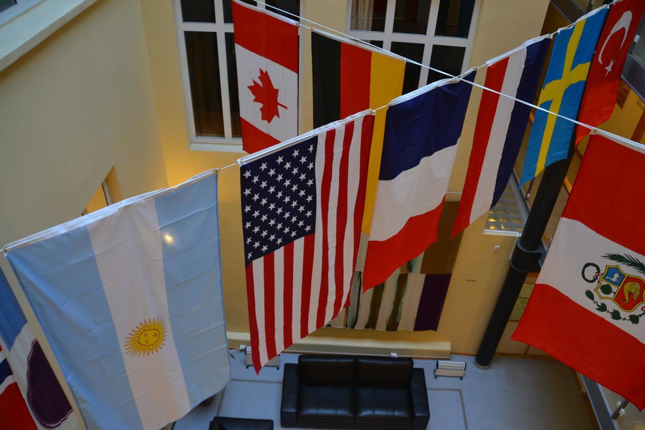 Ten flags at Comparative Politics