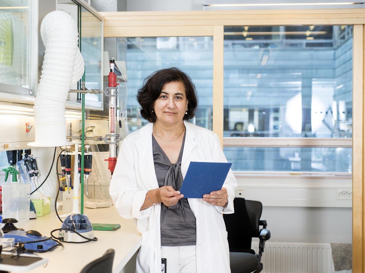 Aurora Martinez in lab