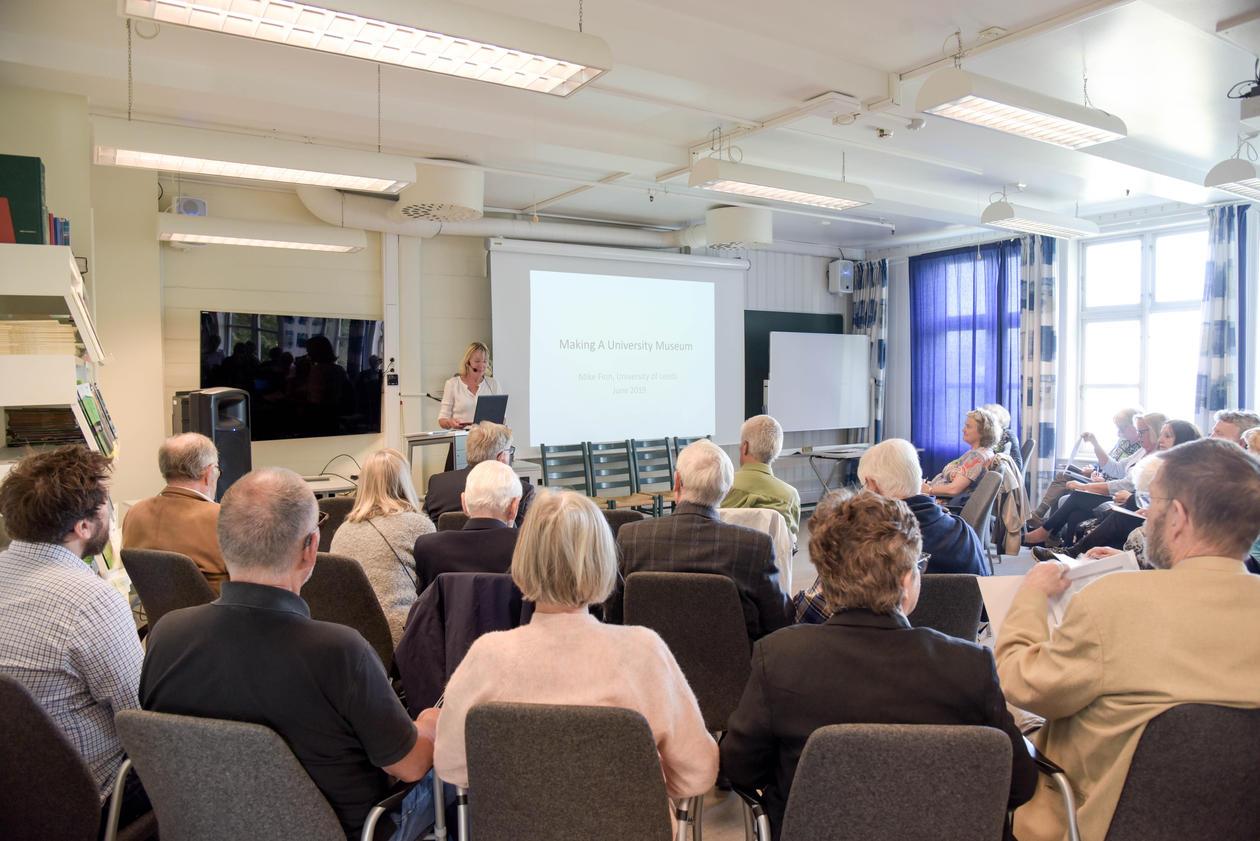 Margareth Hagen snakker til Nasjonalt museumsnettverk for medisinsk historie