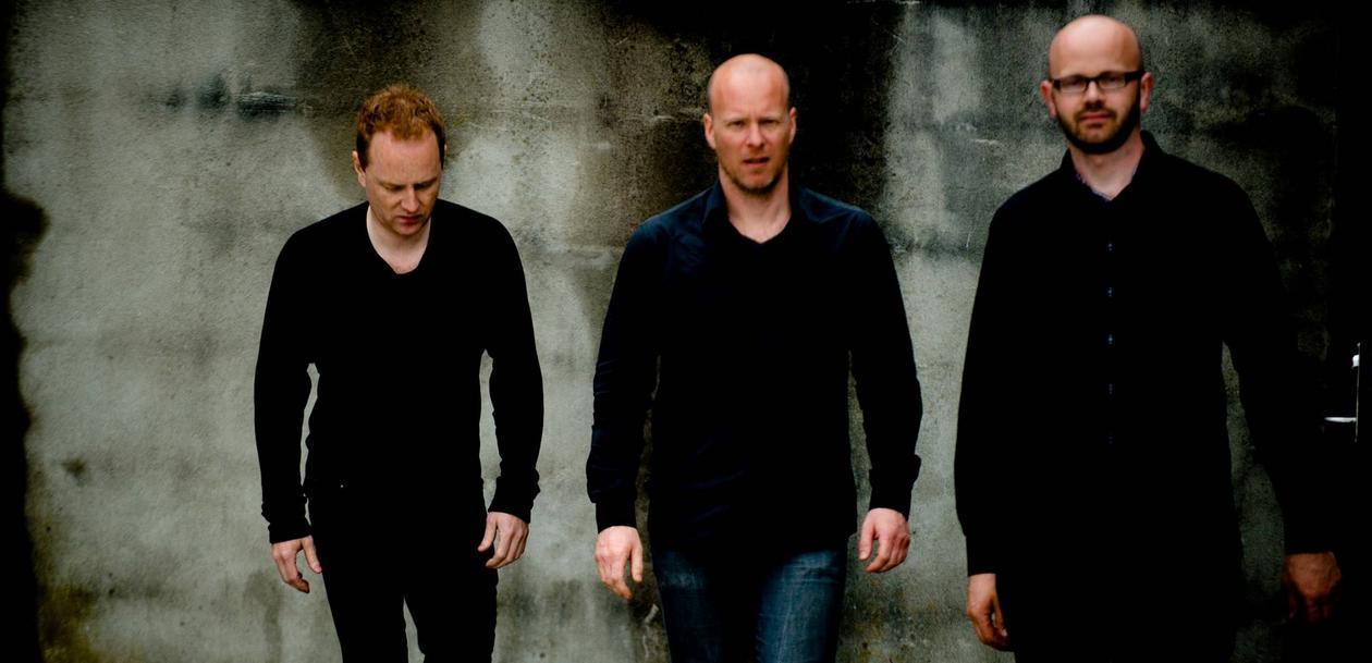 bandfoto av eivind austad trio f.v.: håkon mjåset johansen, magne thormodsæter, eivind waage austad