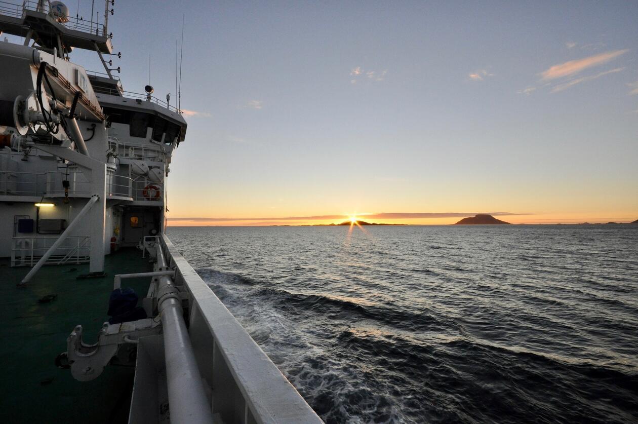 Midnattsol på forskningstokt i Norskehavet, august 2016. Foto: Emil Jeansson