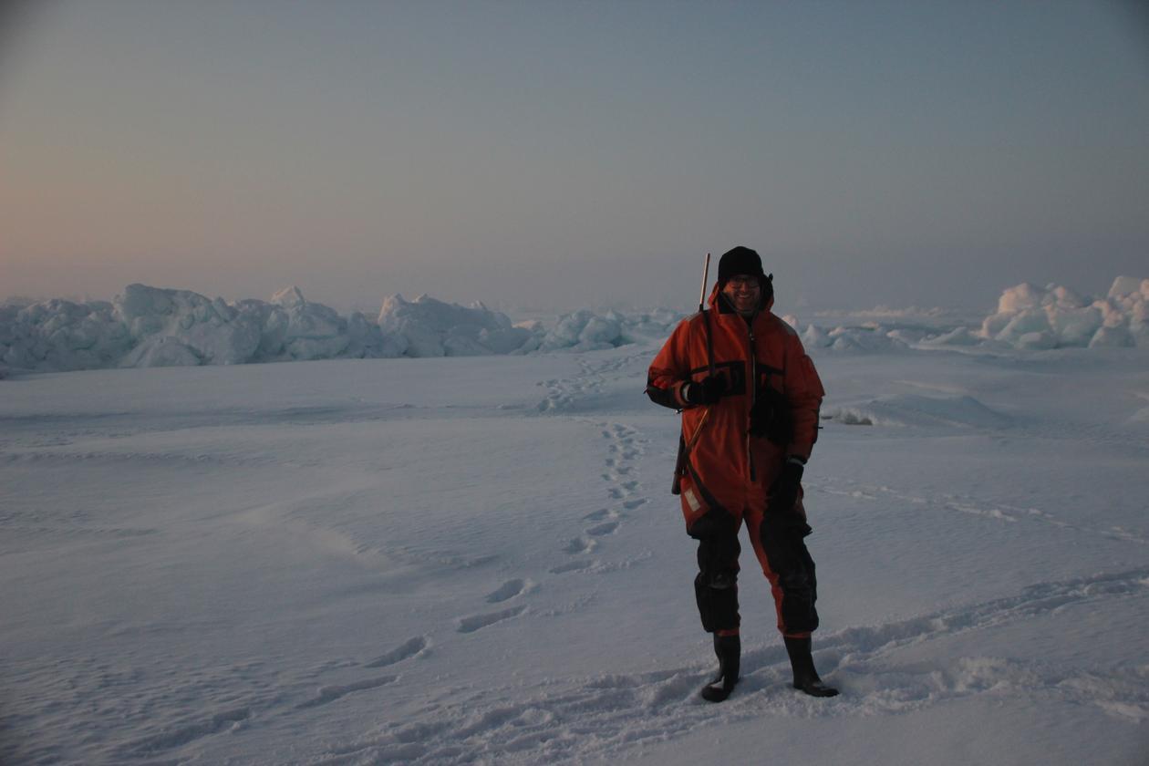 Eoghan Reeves i isen