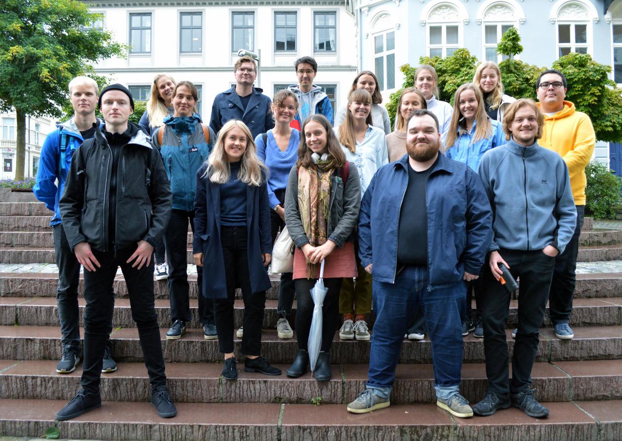 Fagutvalget  utanfor fakultetsbygningen