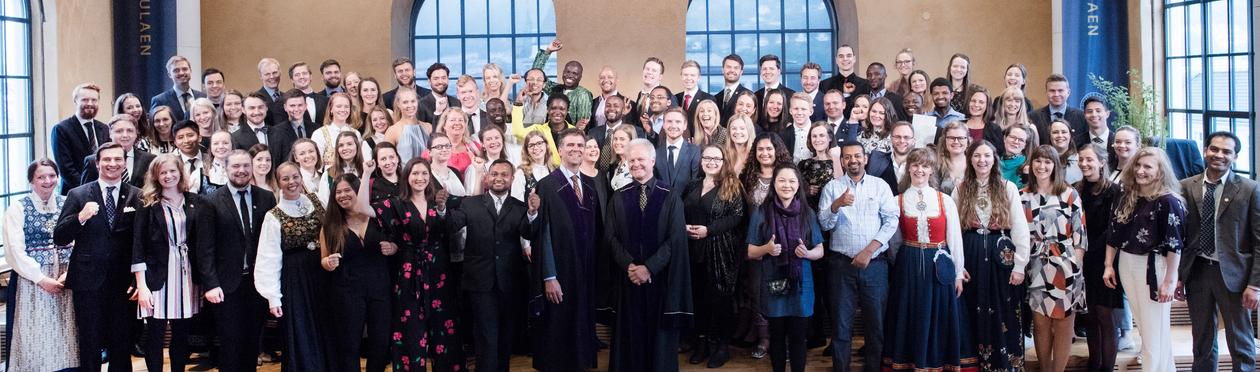 Alle deltakerne på Masterseremonien 2017 i Universitetsaulaen
