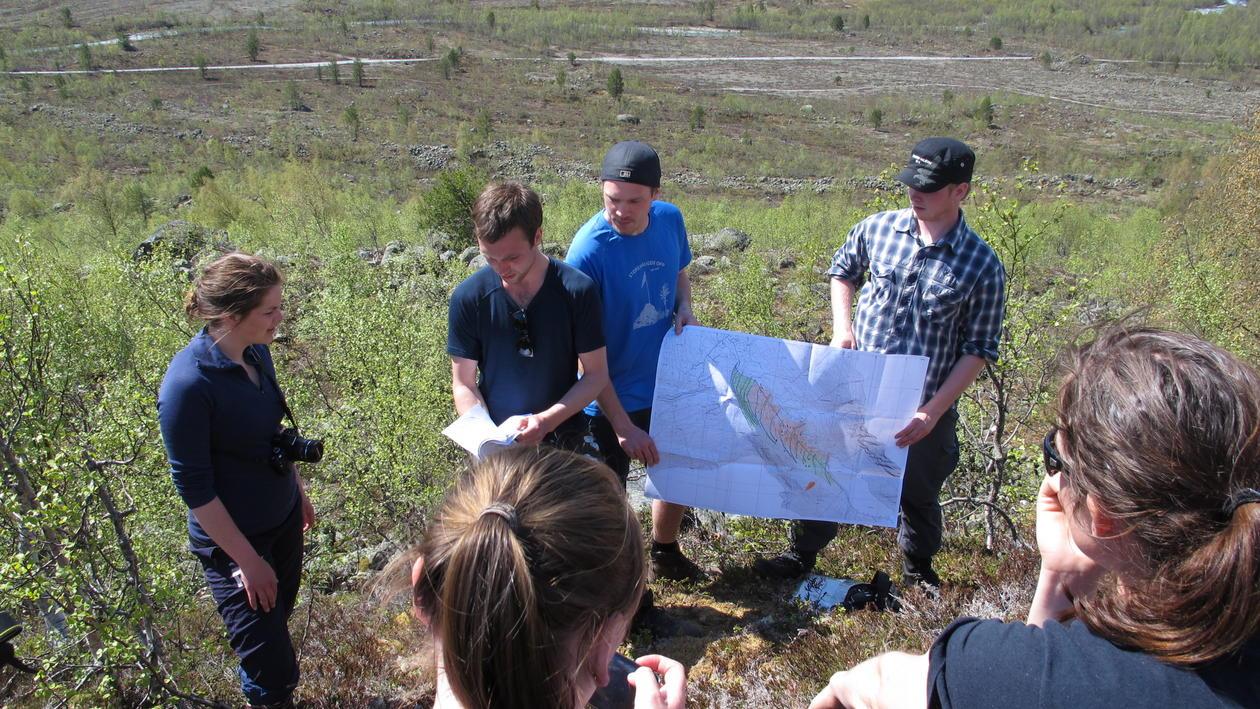 Feltkurs er en undervisningform både i samfunn- og naturgeografi.