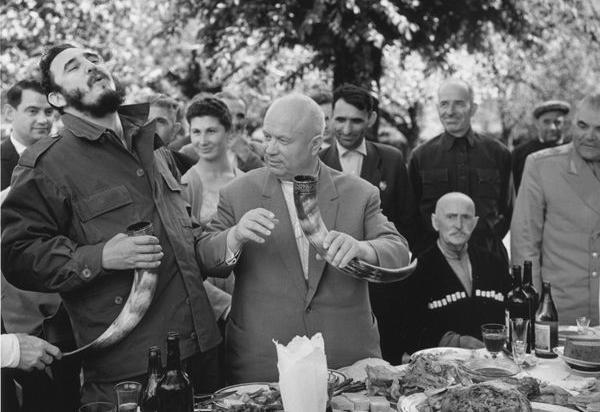 shows Fidel Castro drinking with Khrushchev in Abkhazia