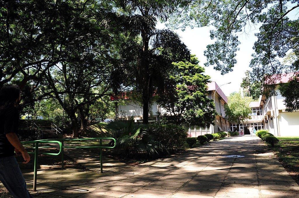 Bilde av bygning på campus
