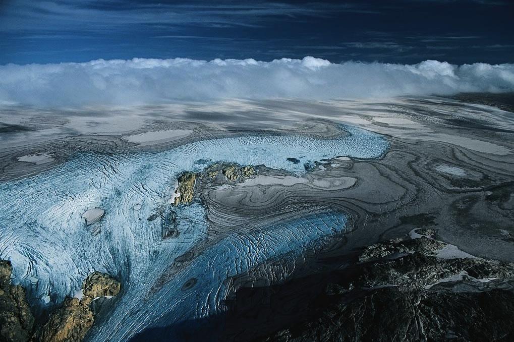 Image of the Folgefonna glacier melting.
