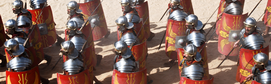 Marsjerande romerske soldatar
