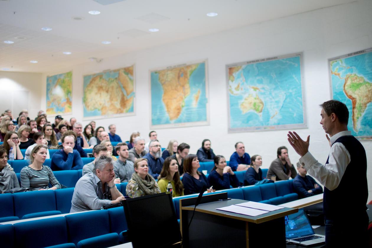Jens Kjeldsen foreleste om Trumps retorikk på FP-dag 2017