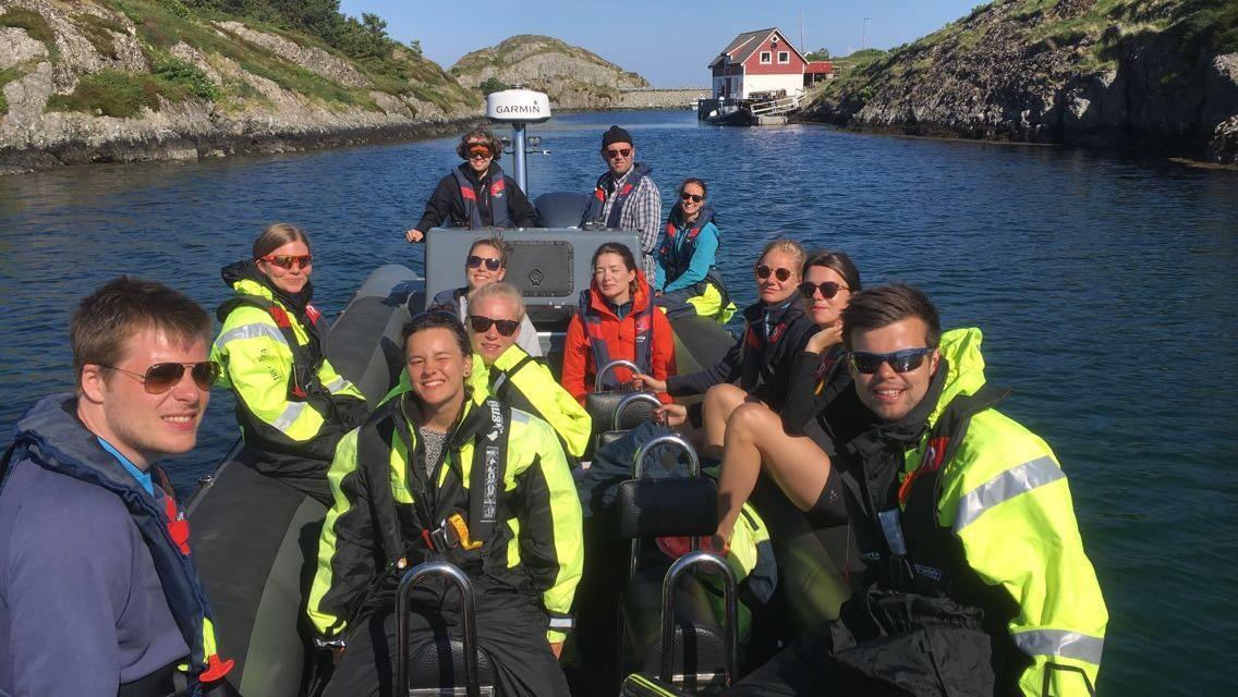 GEOV345 Avreise fra Bulandet, full båt og god stemning