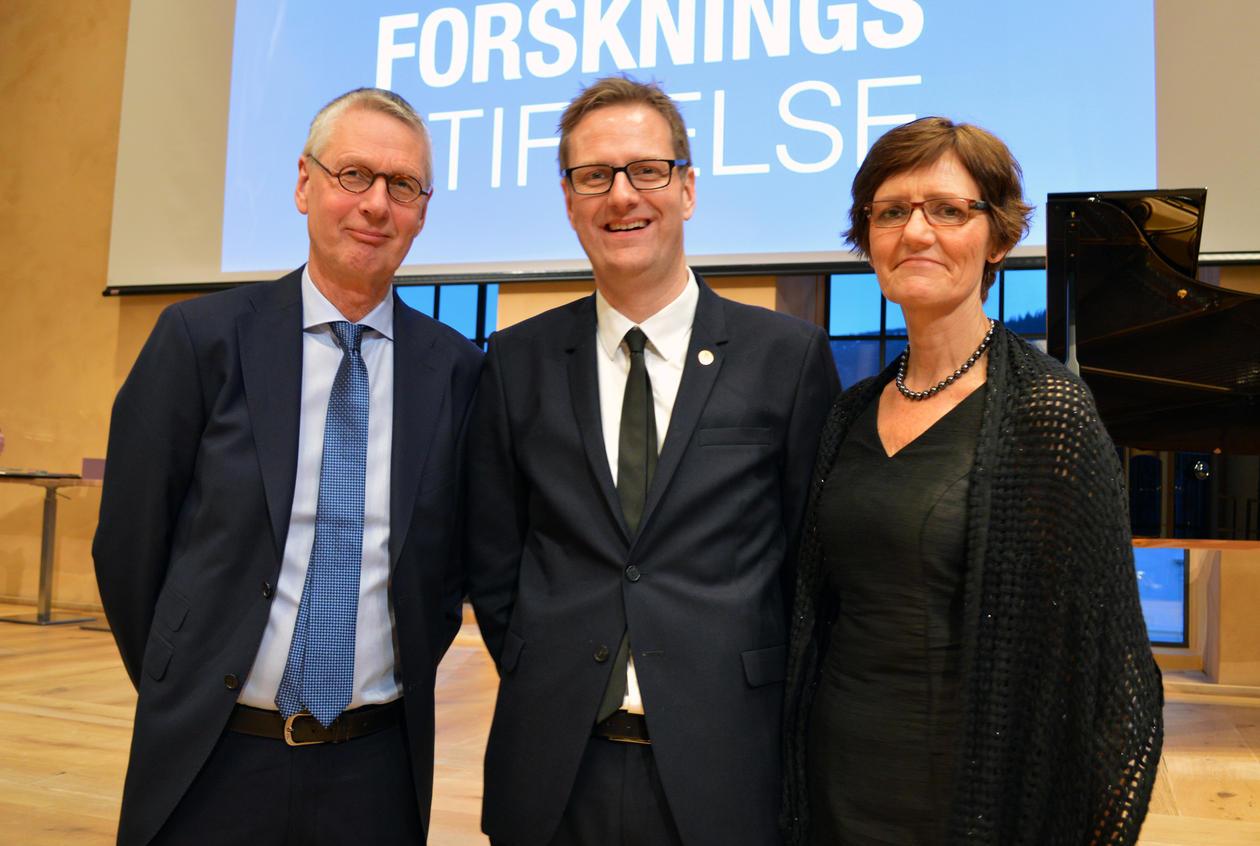 Håvard Haarstad med foreldre.