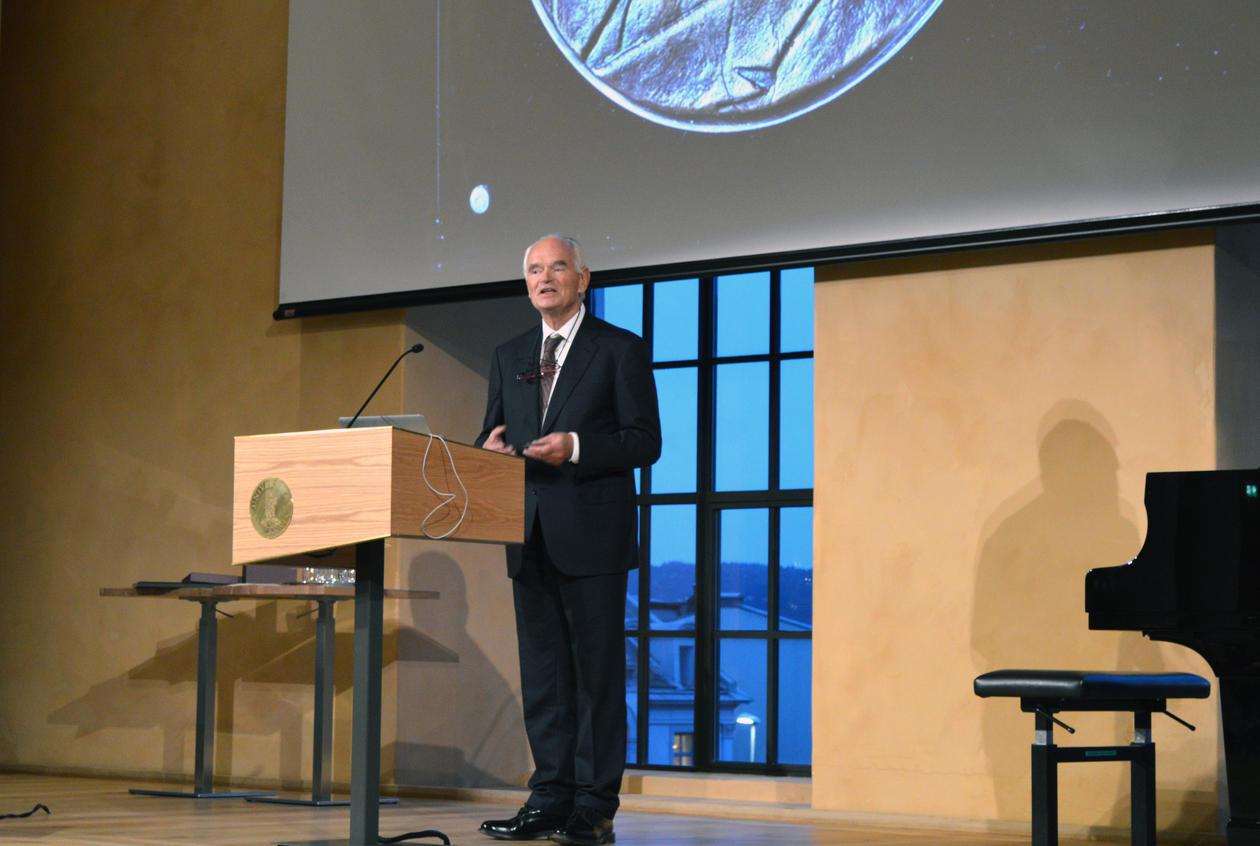 Trond Mohn mottok Brøggerprisen for særlig verdifull innsats for bedring av norsk vitenskaps kår.