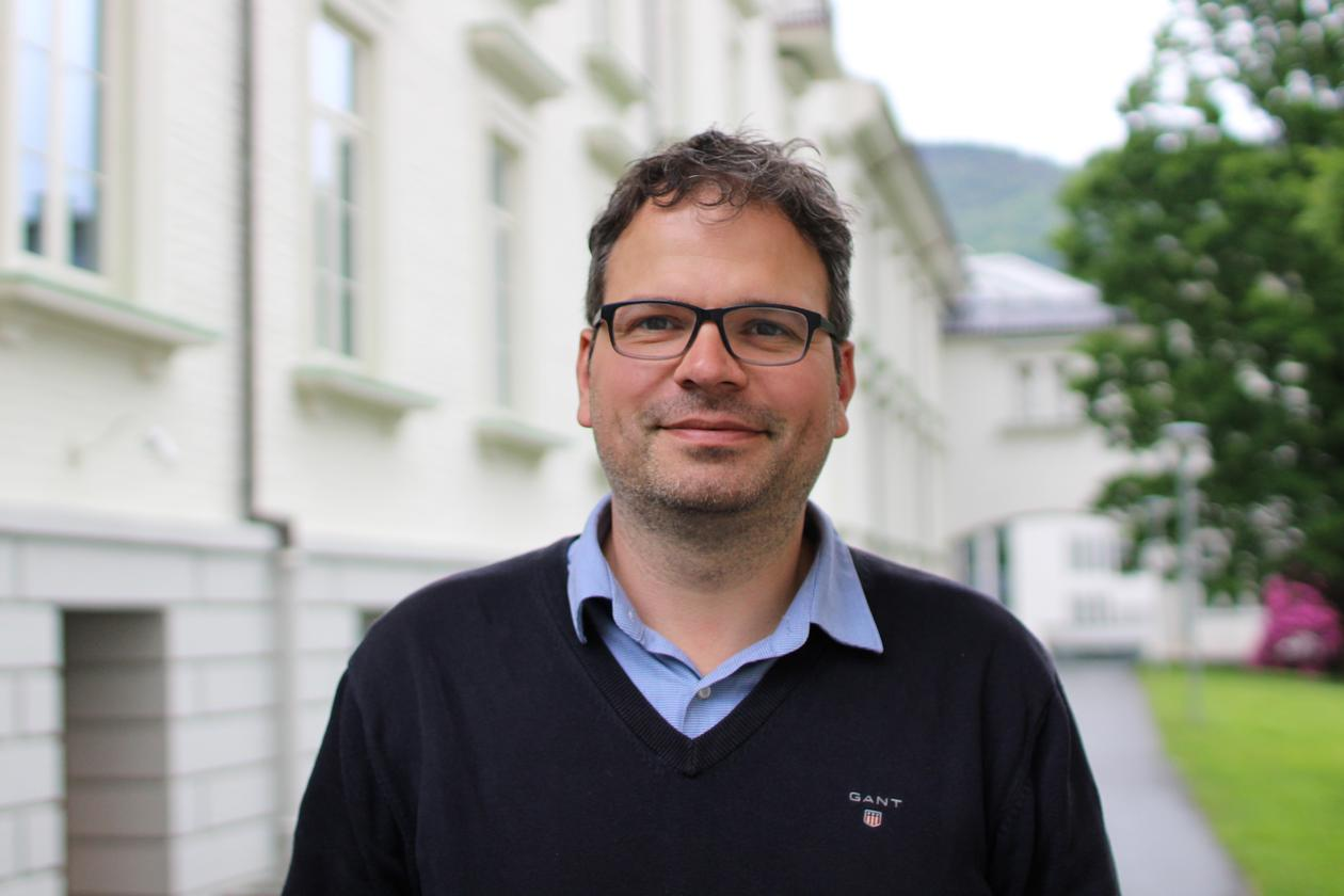 Portrait of Benjamin Pfeil, leader of the Bjerknes Climate Data Centre at the University of Bergen