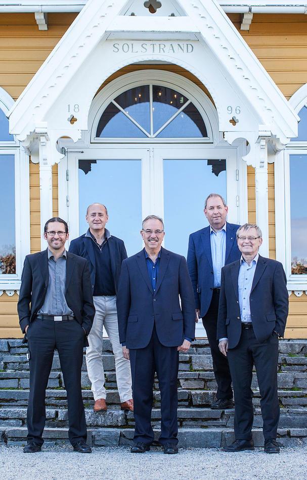 Group photo of Ate Van der Zee, Carl-Henrik Heldin, Bruce Zetter, Lars A.Akslen and Geir Olav Løken.