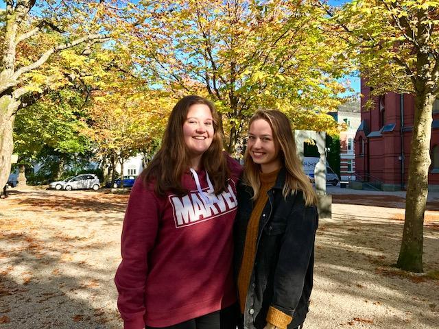Bilde av studentene Hanne og Tonje