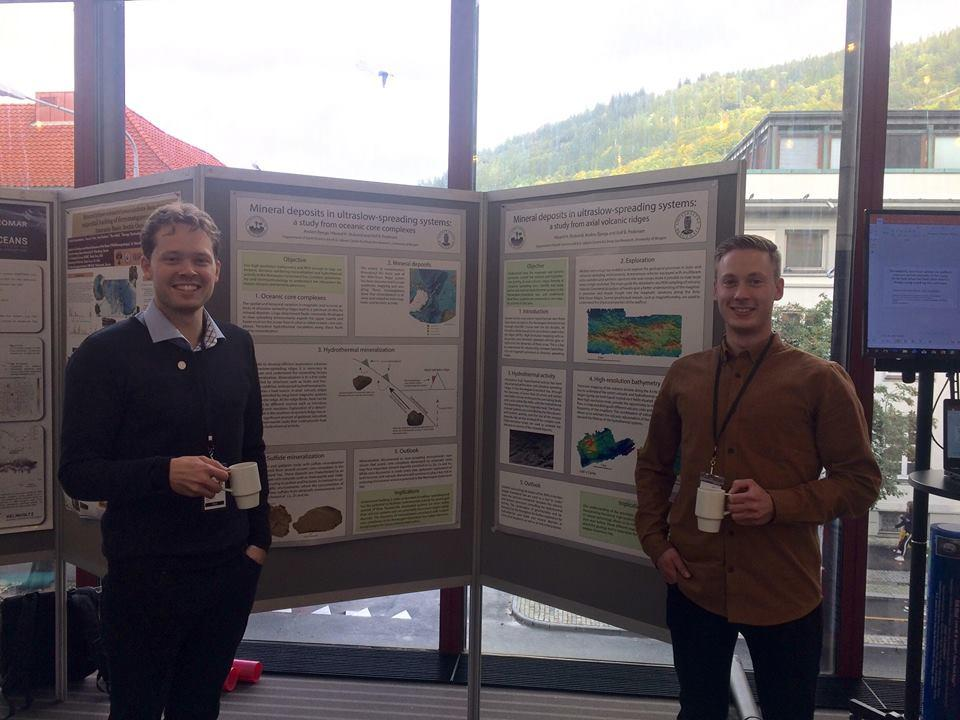 Anders  Bjerga (to the left) and Håvard Stubseide (to the right) showing off their posters