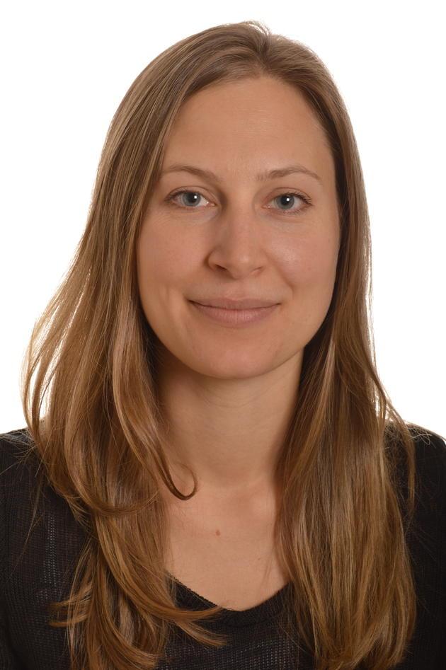 Portrettfoto Helene S. Hjelmervik