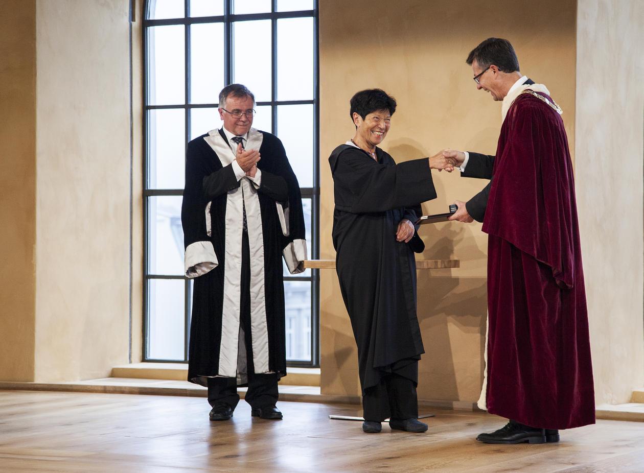 Helga Nowotny utnevnes til æresdoktor