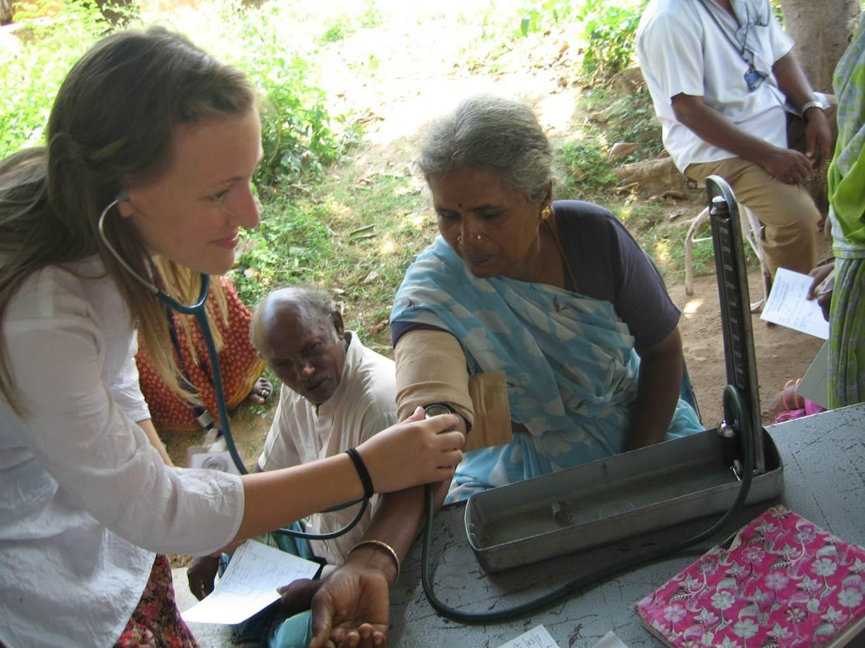PhD student from University of Bergen's Centre for International Health does health check in India.