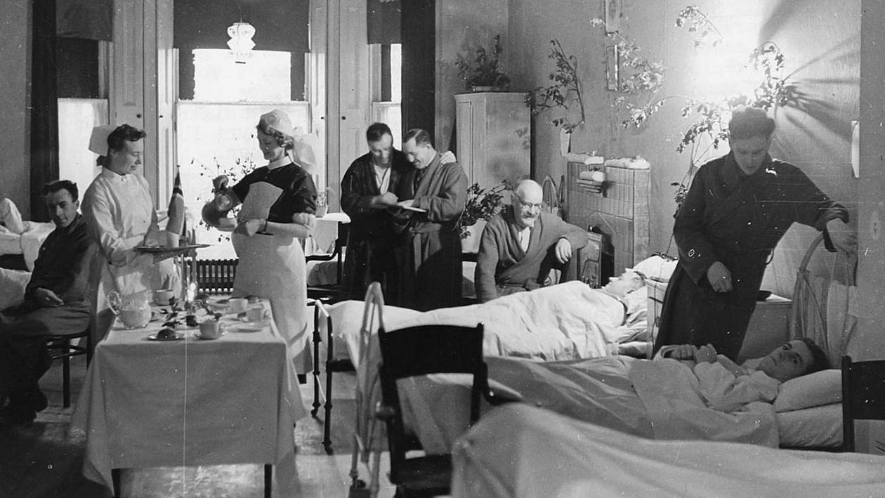 Jul på sykesal i norsk sykehus i London under Andre verdenskrig
