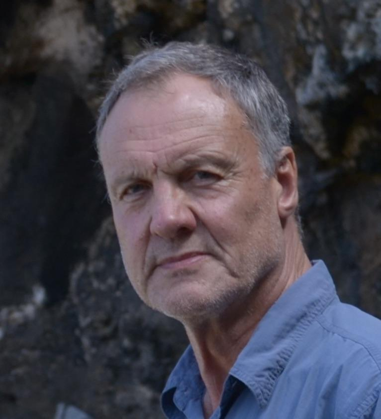Professor Christopher Henshilwood, Department of Archaeology, History, Cultural Studies and Religion, University of Bergen (UiB).