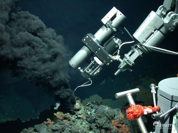 Hydrothermal fluid sampling