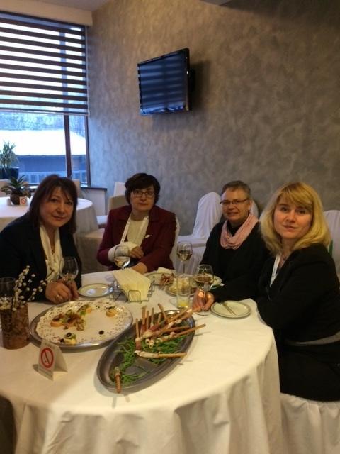 Lone Holst med kollegaer