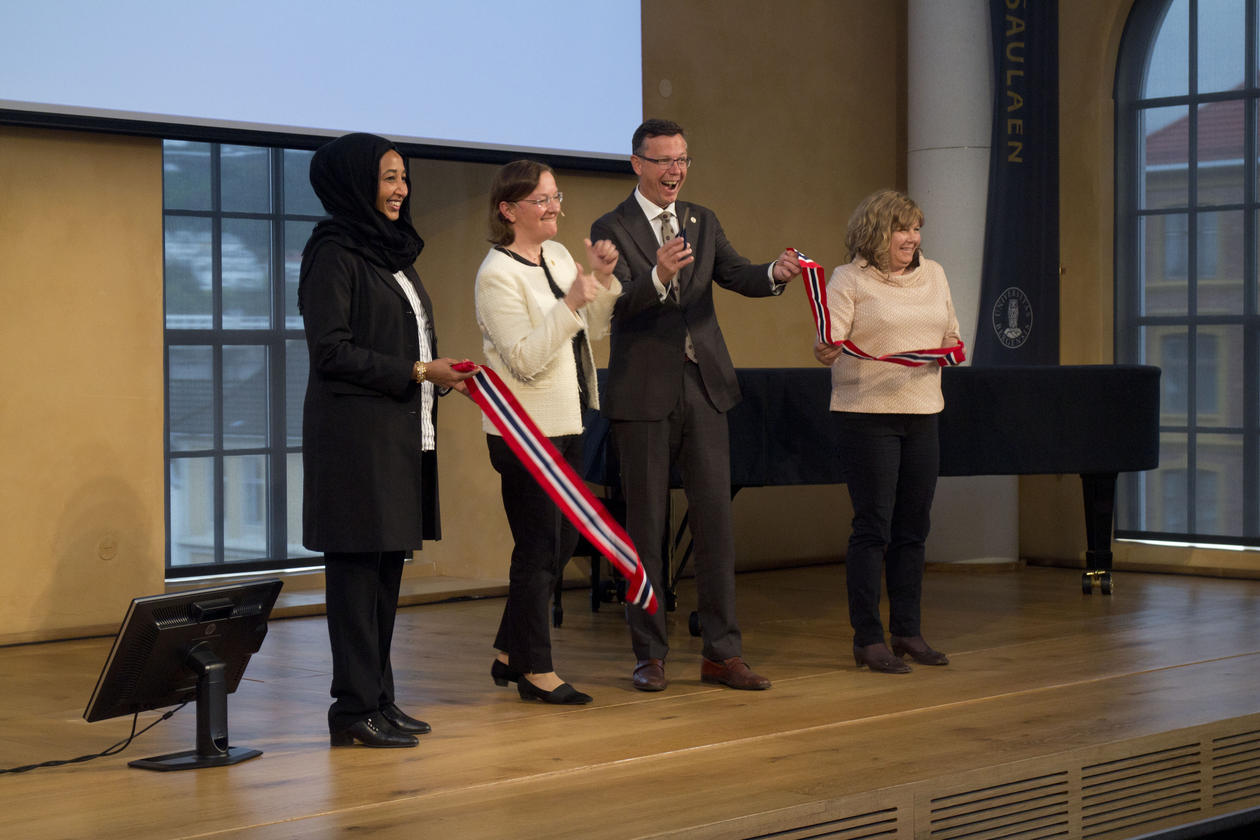 Cutting of ribbon Global challenges