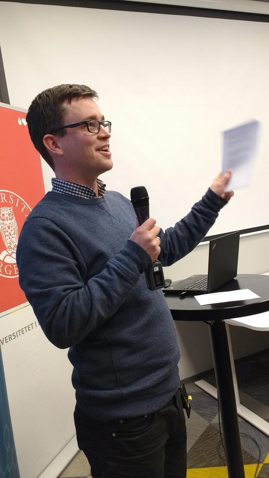 Arnesen presenting