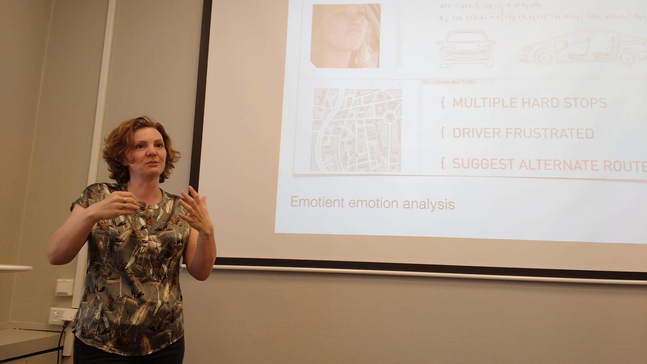 Rettberg presenting