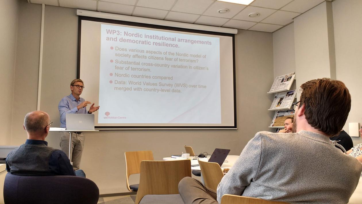 Aars presenting at DIGSSCORE seminar