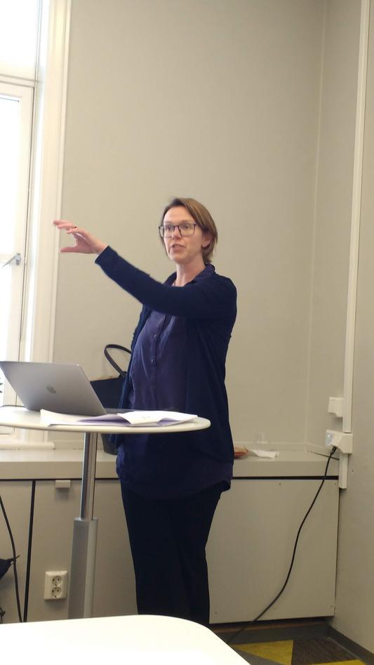 Ivarsflaten presenting