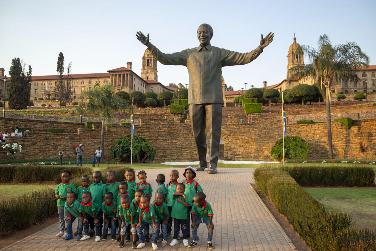 pre-schoolers with Nelson Mandela in SA