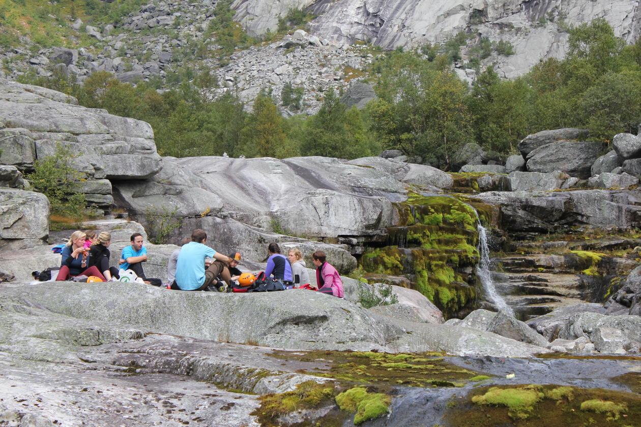 NAT-retreat fall 2014 - below Trolltunga