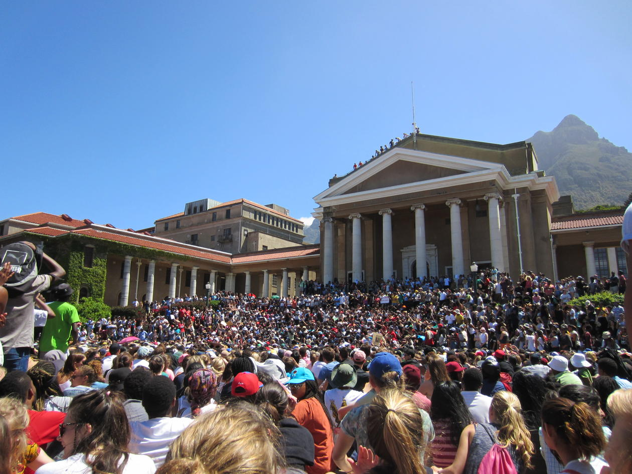 studentprotestene #FeesMustFall