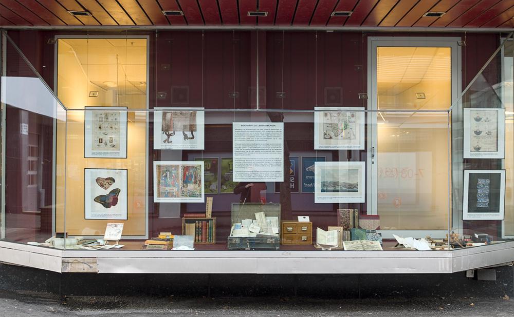 Manuskript- og librarsamlingens utstillingsvindu