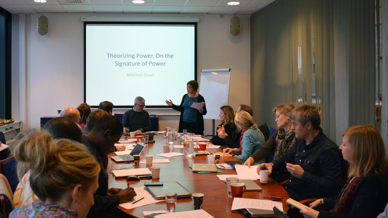Ragnhild Overå introduces Mitchell Dean from Copenhagen Business School.