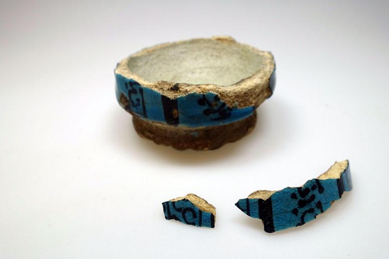 Keramikkskål i biter fra Palmyra