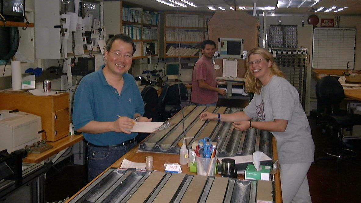 Geologer logger sedimentkjerne, masterprosjekt geologi, UiB