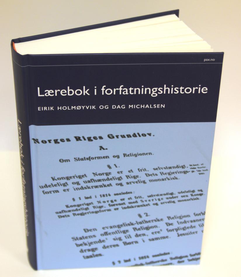 Lærebok i forvaltningshistorie av Eirik Holmøyvik og Dag Michalsen.