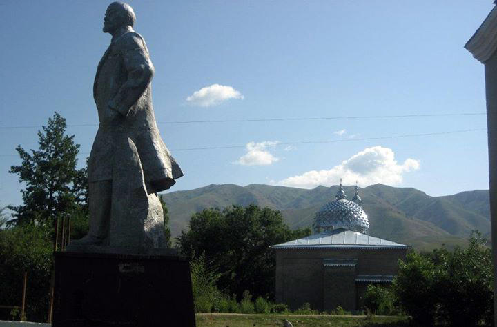 Statue of Lenin and a mosque
