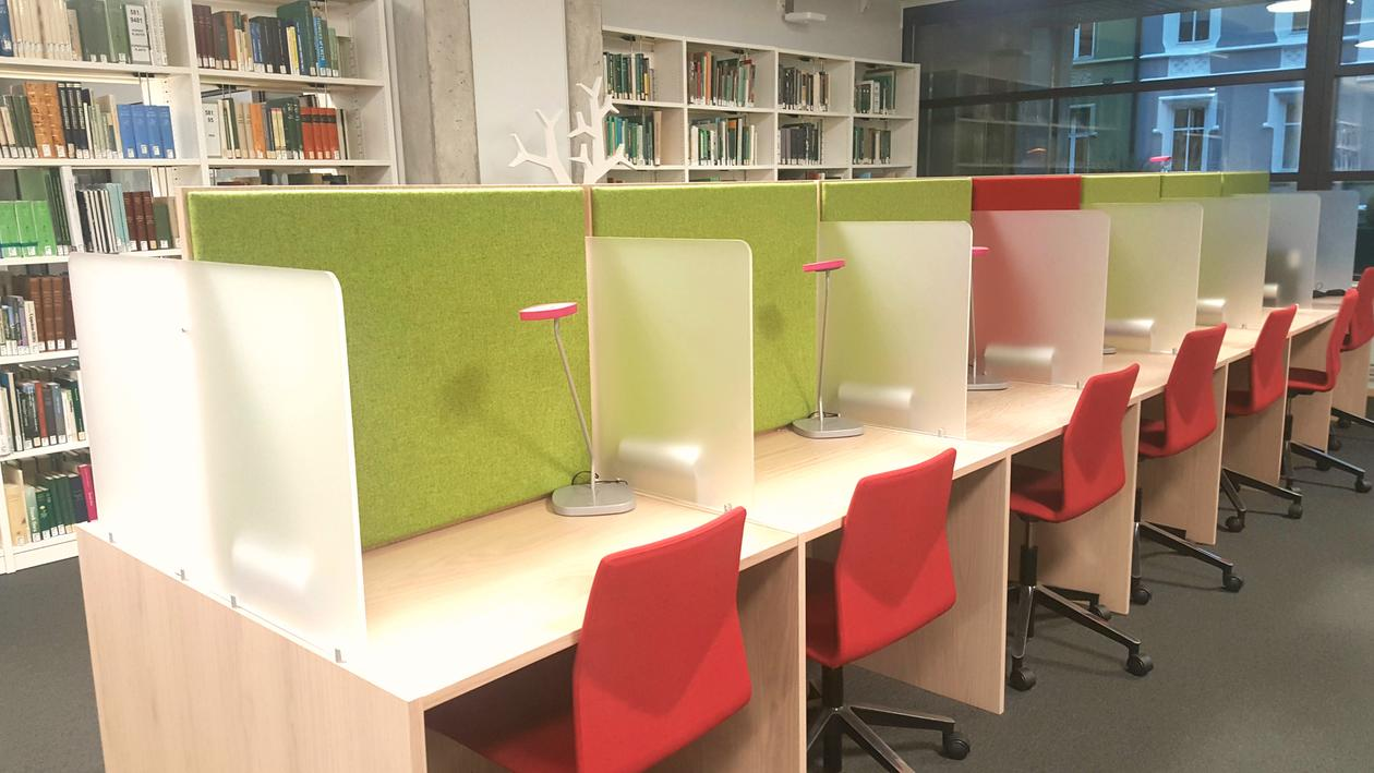 Working desks at the science library