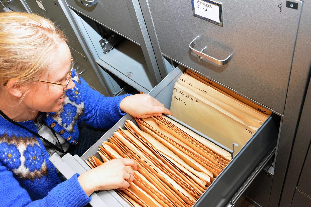 Det er mykje i arkiva til EFA – her ein liten kikk ned i nissebrevsamlinga.