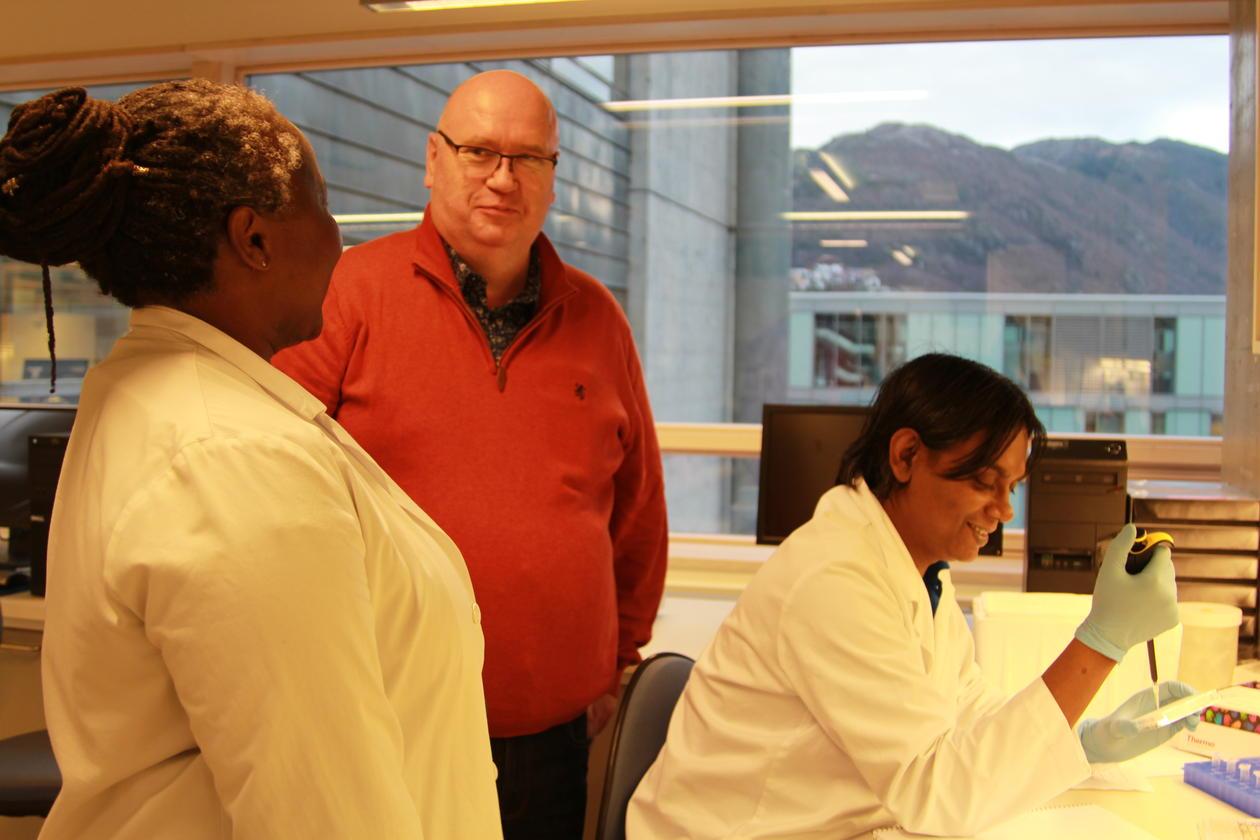 Hjernesvulstforeningen besøker Brain tumor Immunology and Therapy Group hos Instituttet for biomedisin