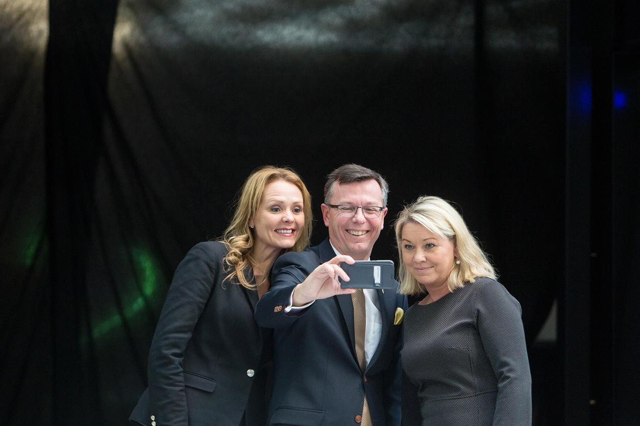 Kulturminister Linda Hofstad Helleland, rektor ved UiB Dag Rune Olsen og  Næringsminister Monica Mæland.